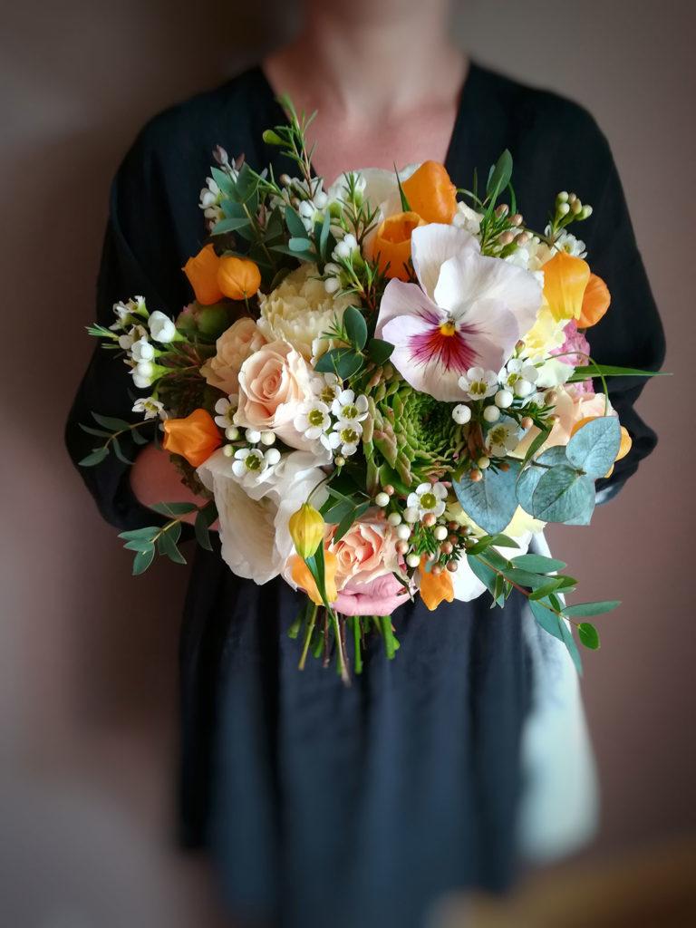 mariage au printemps avec Rouge pivoine, fleuriste indépendante